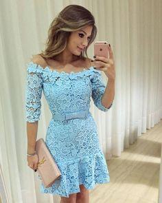 Vestido Curto de Renda Azul