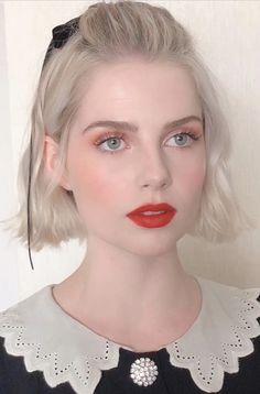 Goth Makeup, Kiss Makeup, Beauty Makeup, Hair Makeup, Hair Beauty, Girls Lipstick, Lucy Boynton, Fantasy Hair, Girl Short Hair