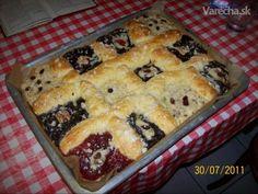Moravské koláče na plechu (fotorecept)  http://varecha.pravda.sk/recepty/moravske-kolace-na-plechu-fotorecept/19057-recept.html