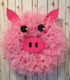 Pig wreath, spring wreath, pink wreath, summer wreath, farm animals, animal wreath, Peppa Pig, farm decor, pink pig wreath, little pig by WandNDesigns on Etsy https://www.etsy.com/listing/495070178/pig-wreath-spring-wreath-pink-wreath
