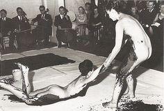 Yves Klein, Antropometrieën van de blauwe periode, performance 9 maart 1960, Galerie Internationale d'Art Contemporain, Parijs