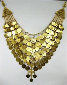 chest jewel . all rights reserved-TO SALESI AVLONAS ATTICA Ethnic Jewelry, Gold Jewelry, Jewelry Accessories, Jewellery, Greek Traditional Dress, Ancient Jewelry, Folk Costume, Fashion History, Lilac