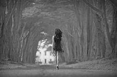 Non avere paura che le tue gambe cedano facendoti cadere. Ricorda sempre che le tue gambe saranno le stesse che ti rimetteranno in piedi.