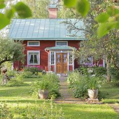 New house exterior scandinavian swedish cottage ideas Swedish Cottage, Old Cottage, Cottage Style, Cottage Ideas, Red Houses, Little Houses, Sweden House, Summer Cabins, Cottage Exterior