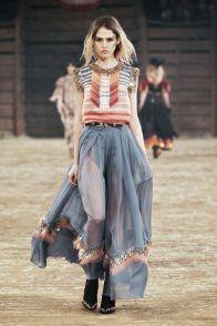 Sfilata Chanel Paris - Pre-collezioni Autunno-Inverno 2014-15 - Vogue