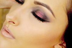 Cranberry Smokey Eye Tutorial! http://karasglamourblog.blogspot.com/2013/09/cranberry-smokey-eye-makeup-tutorial.html