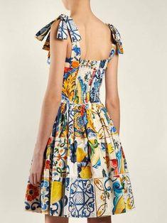 Dolce & Gabbana Majolica Print Cotton Poplin Mini Dress - Womens - White Print #Print#Cotton#Majolica Poplin Dress, Dress With Sneakers, Mode Vintage, Women's Summer Fashion, Mi Long, Fashion Stylist, Fashion Outfits, Womens Fashion, Dress Skirt