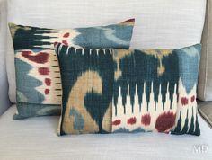 Cojines de lino natural #MDLolaHerrán #Sevilla #decoración #interiorismo #asesoramiento #fabrics #telas #lino #ikat #cojines #personalizados