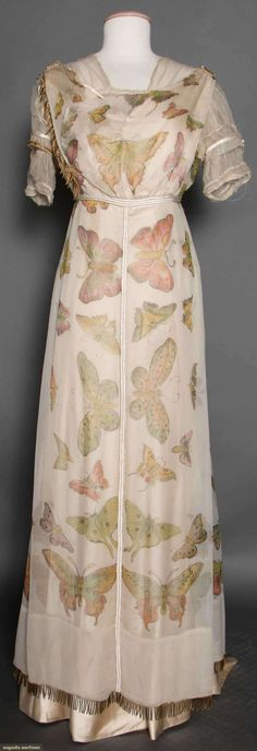 Butterfly Printed Chiffon Gown, C. 1912 - this is a really unusual example for the period! Edwardian Gowns, Edwardian Clothing, Antique Clothing, Edwardian Fashion, Historical Clothing, Victorian Dresses, Edwardian Style, Historical Dress, Belle Epoque