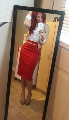 Red pencil skirt, white button-up, beige cardigan, and great nude heels Lorimer Living: Organize, Decorate & Eat!: 60 Work Outfits for Every Office Office Fashion, Work Fashion, Modest Fashion, Jw Fashion, Jw Mode, Look Formal, Professional Attire, Work Looks, Apostolic Fashion