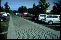 Green parking lots and porous pavements - National Green Transportation… Sustainable Transport, Sustainable Design, Parking Lot, Car Parking, Porous Pavement, Environmental Psychology, Paving Pattern, Parking Solutions, Eco City