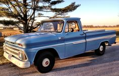 Vintage Trucks I've one like this, and it's going to get finished this year, 20 years after I bought it. Classic Pickup Trucks, Chevy Pickup Trucks, Gm Trucks, Chevrolet Trucks, Cool Trucks, 1963 Chevy Truck, Vintage Chevy Trucks, Old Chevy Pickups, Old School Cars