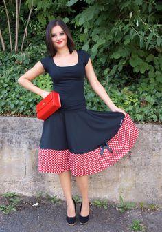 Tellerrock Dots Red Größe 36-42 von Black Cherrys Store® auf DaWanda.com