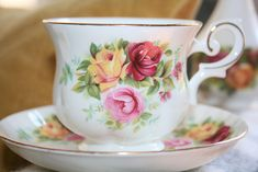 Royal Canterbury - Fine Bone China - cup and saucer - China Cups And Saucers, Teapots And Cups, Teacups, Painted Porcelain, China Porcelain, High Tea, Vintage Dinnerware, China Plates, Tea Parties