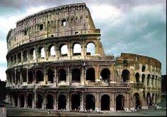 Este monumento esta hecho por la civilizacion romana, la cual estaba ubicada en Europa Occidental