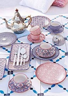 Moroccan pottery - beautiful patterns in this dinnerware