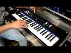 Native Instruments Komplete Kontrol S49 & Komplete Ultimate Review - YouTube
