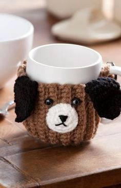Free crochet dog patterns are fun, simple projects to give your favorite dog a warm sweater, vest or blanket. Granny square vests and blankets are great ways to use up scrap yarns and are colorful and easy to crochet. Crochet Coffee Cozy, Coffee Cup Cozy, Crochet Cozy, Free Crochet, Dog Coffee, Coffee Break, Dog Themed Crafts, Dog Crafts, Easy Diy Crafts
