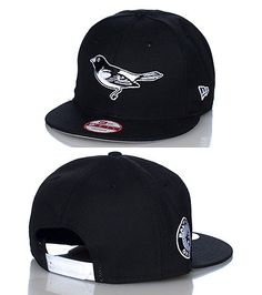 2d921a308b9 NEW ERA Snapback cap Adjustable strap on back Embroidered logo on front NEW  ERA stitching on side Jimmy Jazz Exclusive