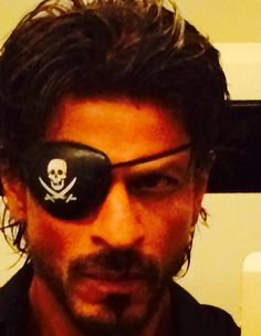 Embedded image permalink-SRK-Pirate of Goregaon, shooting in Film City. I think the unit is in patchwork mode already...