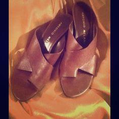 Antonio Melani brown leather kitten heels Gently pre-loved Antonio Melani brown leather kitten heels ANTONIO MELANI Shoes Sandals