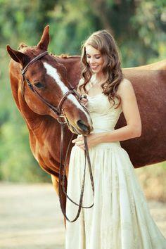 Horse wedding photo, horse wedding shoot