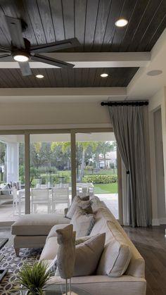 Simple Ceiling Design, Interior Ceiling Design, House Ceiling Design, Ceiling Design Living Room, Home Ceiling, Home Room Design, Interior Design Living Room, Living Room Designs, Living Room Decor