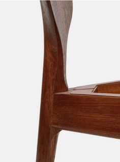 The line-hans wegner valet chair. Oak, teak