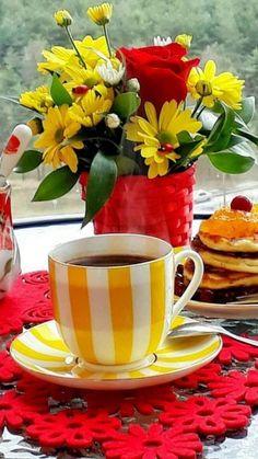 Coffee Love, Coffee Break, Coffee Shop, Coffee Cups, Tea Cups, Good Morning Coffee Gif, Good Morning Breakfast, Breakfast Tea, Good Morning Flowers