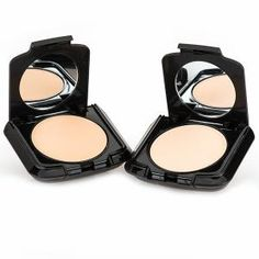 Motives(r) Mineral Dual Foundation A lightweight mineral foundation that is infused with aloe vera to provide full, moisture-rich coverage. Get the ease of a powder with the performance of a foundation for a polished complexion. The silky texture helps to minimize the appearance of pores and imperfections, creating a perfect, natural look. The oil-free formula can be worn wet or dry for extended coverage.