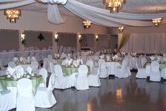 The focus at the Colonnade Golf & Country Club is to ensure that your special day is both worry-free and memorable.
