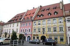 Ludwigsplatz mit Rokokohäusern-Straubing