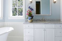 6 Household Items You Didn't Know Could Clean Your Bathroom