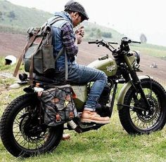 Custom Culture Bobber & Chopper Motorcycles Style, Tattoo and Fashion / Clothing Inspirations Moto Bike, Cafe Racer Motorcycle, Motorcycle Style, Biker Style, Motorcycle Gear, Women Motorcycle, Motorcycle Quotes, Blitz Motorcycles, Vintage Motorcycles
