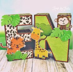 Letras 3D com tema Safari Jungle Theme Parties, Jungle Theme Birthday, Safari Theme Party, Jungle Party, Animal Birthday, 1st Birthday Photoshoot, First Birthday Photos, Safari Centerpieces, 1st Birthday Decorations