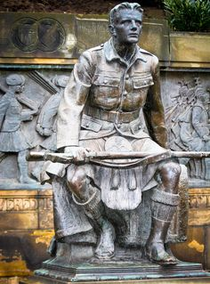 """There are as many Scottish people living in North America as in Scotland, with censuses in the United States and Canada identifying around five million people claiming Scottish ancestry. Photo: If it be life that waits, I shall live forever unconquered. If death, I shall die at last, strong in my pride and free."""" Scottish American War Memorial. Edinburgh"""