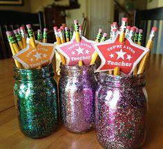 DIY Teacher Gift Idea in a Jar Craft with Free Printables. LivingLocurto.com