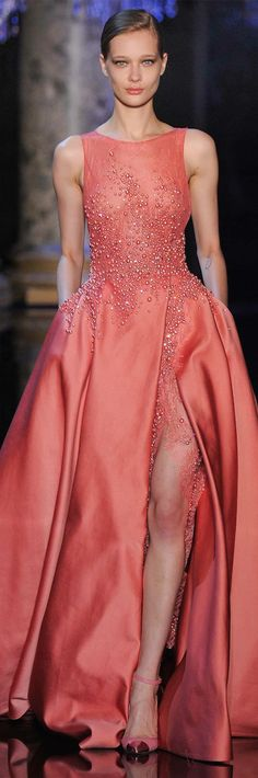 I love the lace at the slit LOOKandLOVEwithLOLO: Elie Saab Fall 2014-2015 Couture