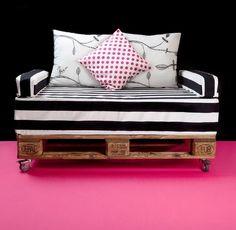 2er Sofa aus Holzpalette mit Rollen