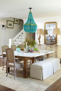 Turquoise Room Ideas - Turquoise it could be strong and also strong, it's additionally calming and relaxing.Here are of the most effective turquoise room interior design ideas. Dining Room Design, Dining Room Furniture, Outdoor Furniture Sets, Dining Rooms, Turquoise Room, Turquoise Chandelier, Beaded Chandelier, Glass Chandelier, Chandelier Shades