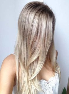 30 Platinum Blonde Hair Color Shades And Styles Blonde Hair Colour Shades, Platinum Blonde Hair Color, Hair Color Highlights, Ombre Hair Color, Hair Color Balayage, Haircolor, Baby Blonde Hair, Bleach Blonde Hair, Ash Blonde Balayage