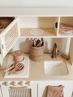 Montessori Playroom, Toddler Playroom, Toddler Rooms, Ikea Play Kitchen, Toy Kitchen, Kitchen Reno, Playroom Design, Toy Rooms, Kids Corner