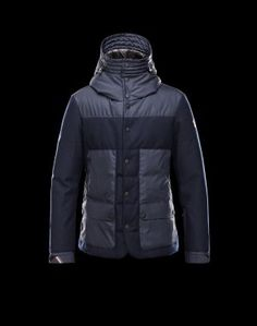 MONCLER GRENOBLE FERION  Moncler vous offre un hiver élégant et réconfortant grâce à cette veste doudoune. Techno fabric / Flannel / Turtleneck / Multipockets / Two inside pockets / Snap-buttons, zip / Feather down inner / Logo Composition:100% Polyamid  €326, Jusqu'à -81%  Acheter maintenant: http://www.monclerfr.com/vestes-moncler.html