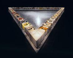 Información general sobre la mesa (Judy Chicago, The Dinner Party, 1979, Brooklyn Museum)