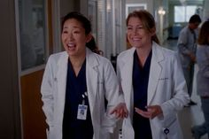 Meredith and cristina of the hit-show grey's anatomy famously dubbed e Cristina Yang, Meredith E Cristina, Meredith And Christina, Greys Anatomy Frases, Greys Anatomy Cast, Grey Anatomy Quotes, Derek Shepherd, Spencer Hastings, Pretty Little Liars