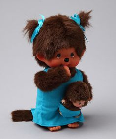 These mother and baby Monchhichis come from the forest land of Monchia, ready to be cuddled and loved by little ones. The mother comes with a precious removable outfit, and the tiny Monchhichi fits in the pocket of her mother's dress. Small sweeties will adore this darling duo.
