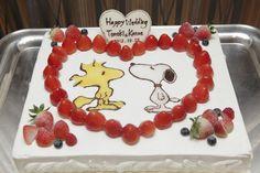 レストラン・ドゥ・シュウ|結婚式場写真「スヌーピーが大好きなお二人がデザインされたケーキ」 【みんなのウェディング】
