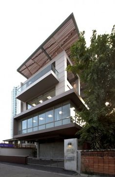 Architects: aMA Design Studio Co. Location: Yannawa, Bangkok Project Year: 2009 Project Area: 1,020 sqm Photographs: Wilson Tungthunya The