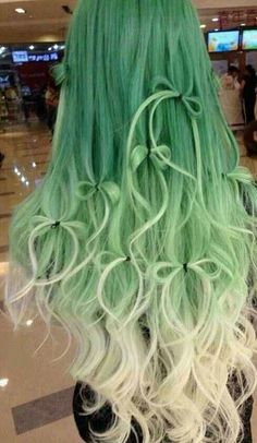 Not usually a fan of green hair but.........