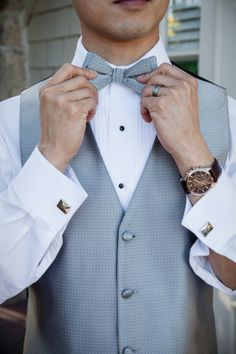 Classic groom style... awesome accessories. image by: Evan Chung Photography